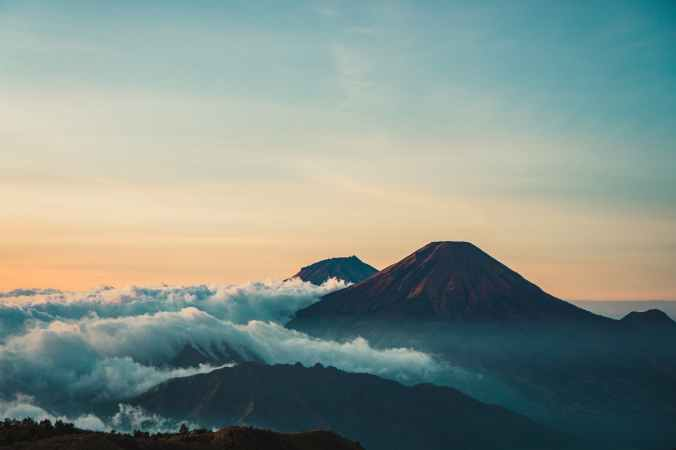 scenic photo of mountain during dawn
